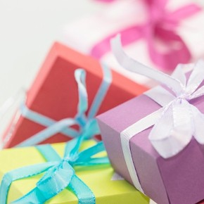3 Ways to Give Back with Your Business this Holiday Season